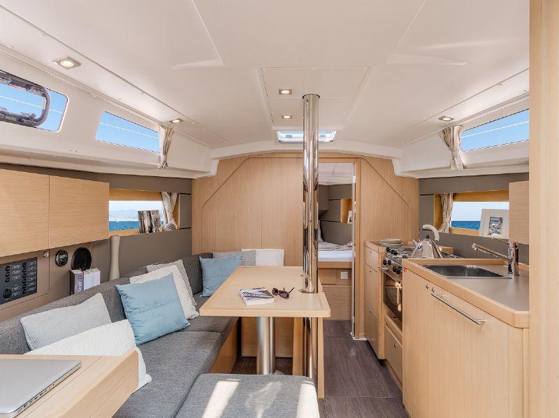 moderne, lichte en ruime kajuitzeiljachten te huur