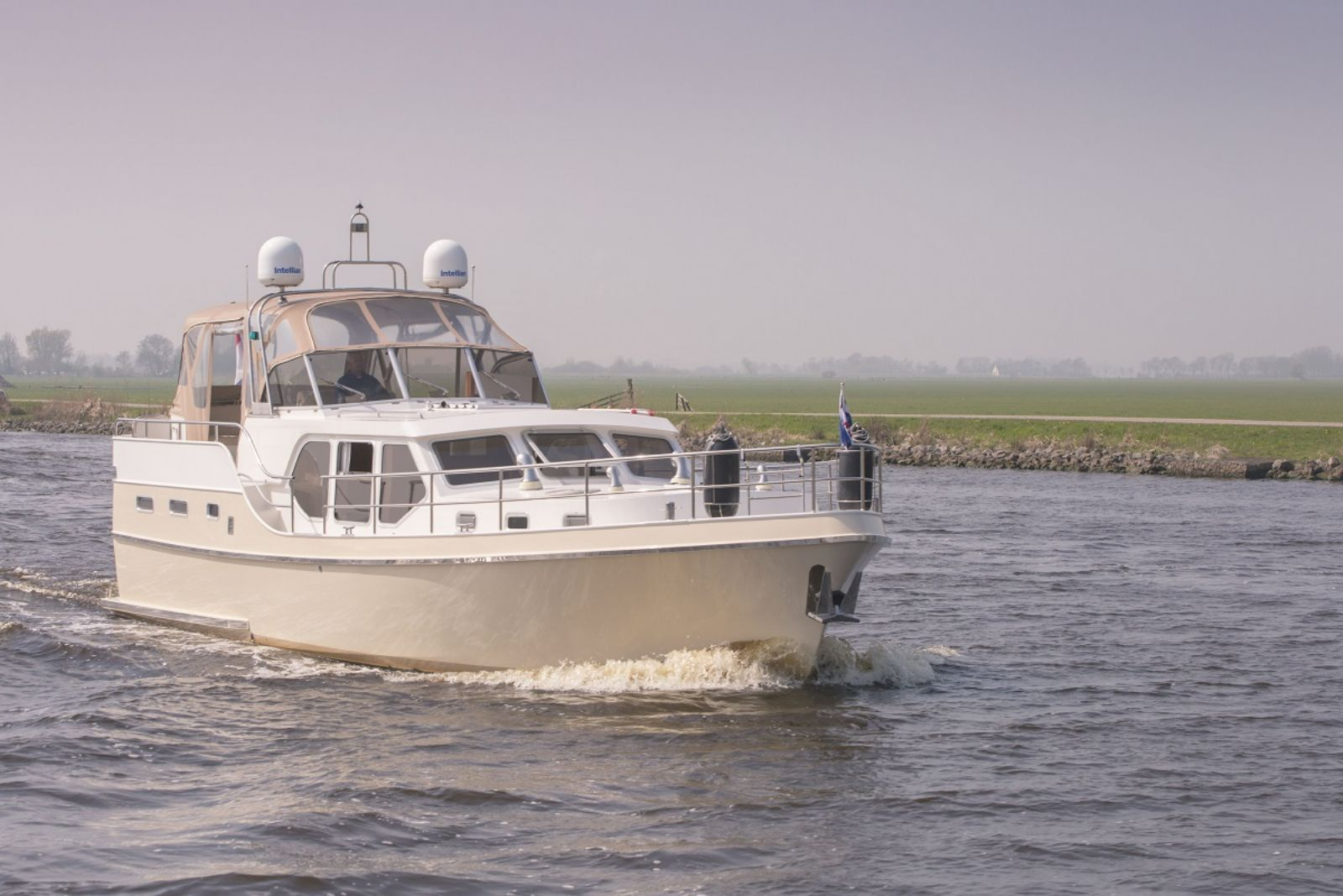 huurvloot met 35 motorjachten