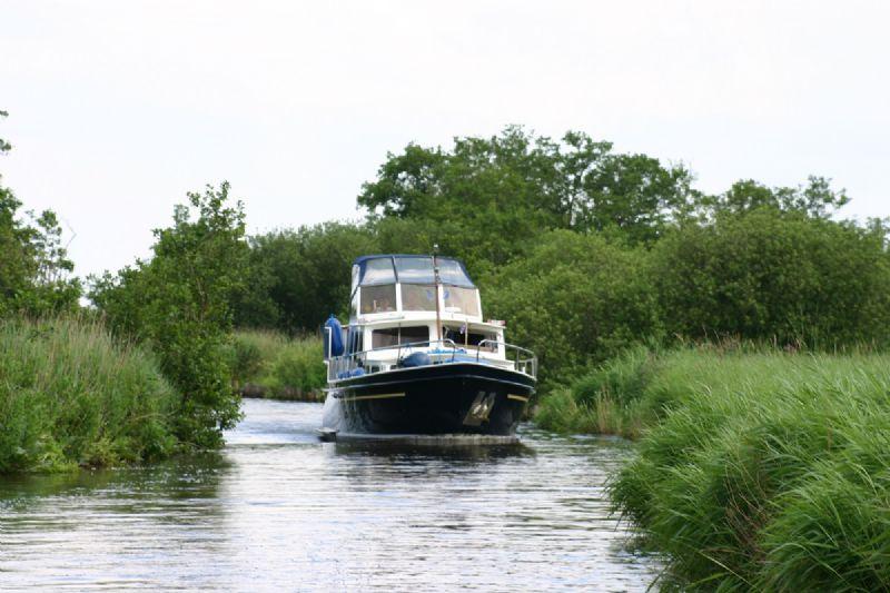 motorjacht huren voor 2 tot 12 personen