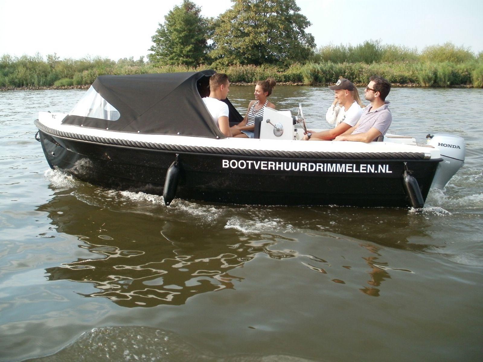 polyester motorkruiser van 7.70 meter