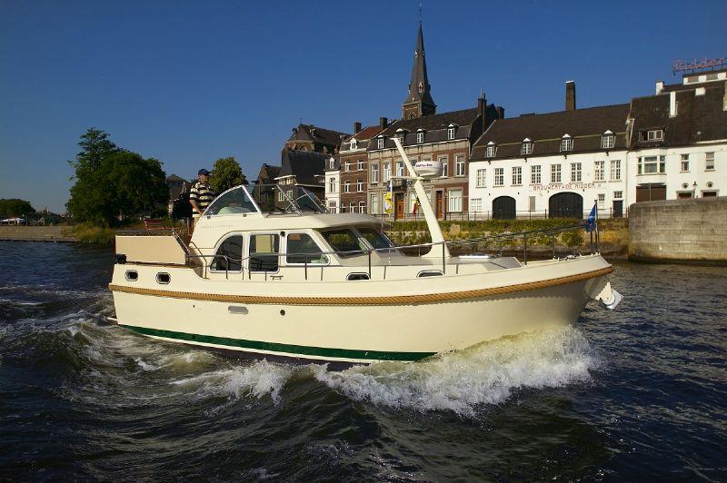 own ship yachtcharter - zeeland