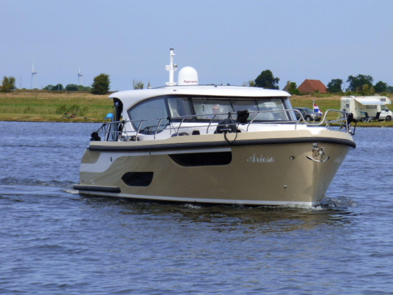 luxe motorjachten vanuit 2 locaties