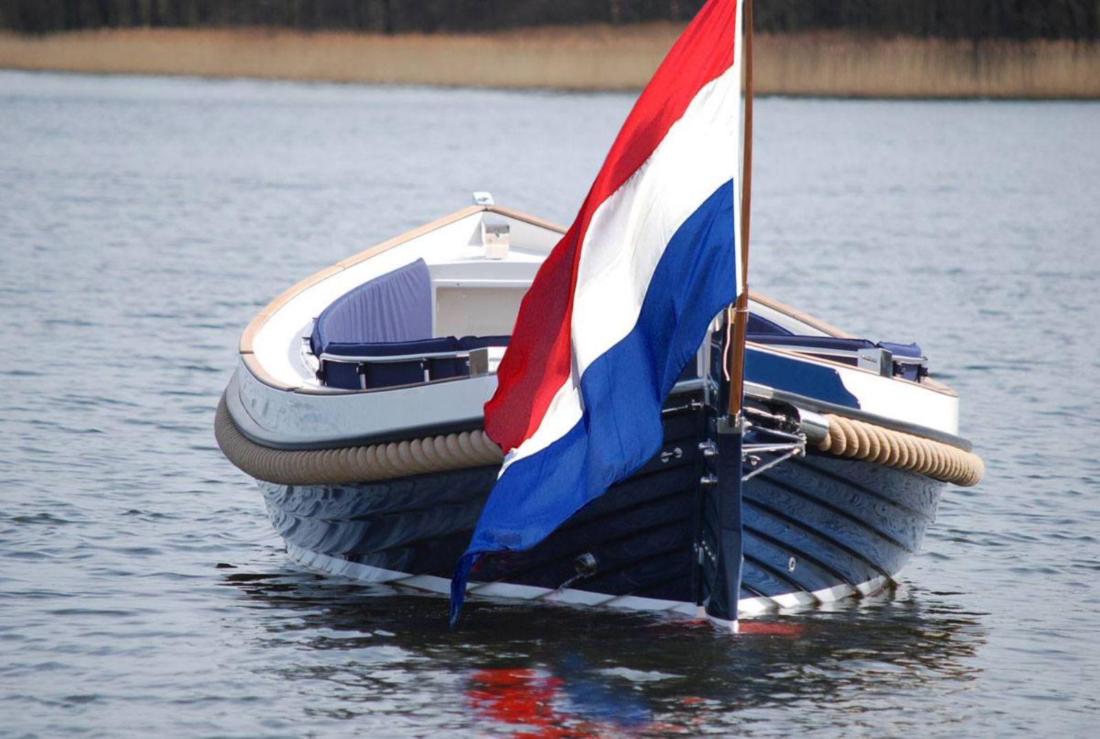 sloepvaren door het Hollandse Plassengebied