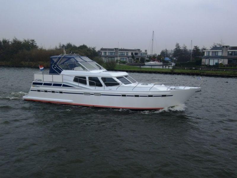 motorjacht huren van 2 tot 12 personen