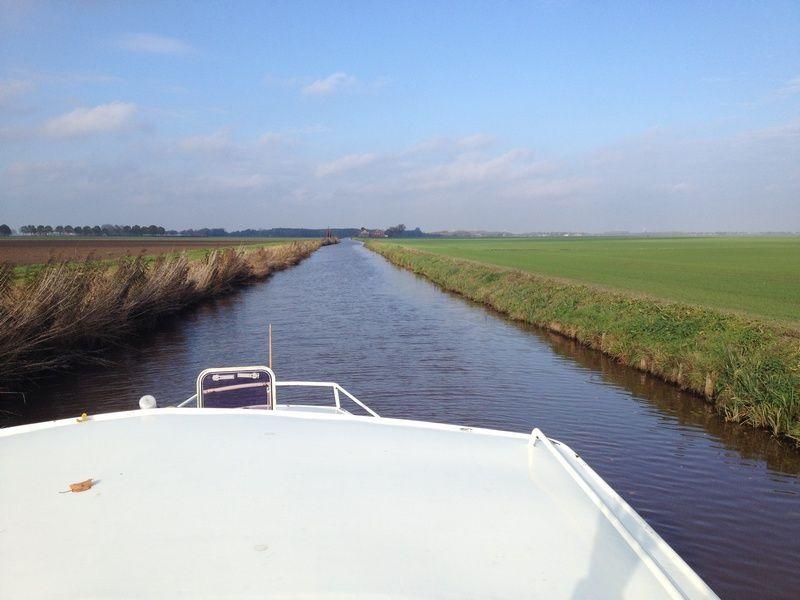 stabiele motorjacht huren in Groningen