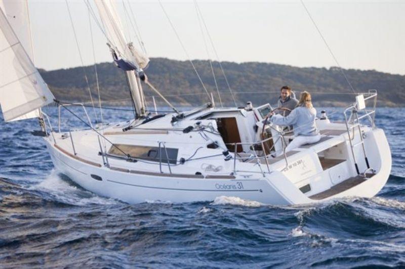 nieuwe en luxe kajuitzeiljachten