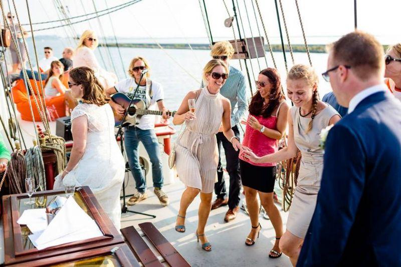 de mooiste feestboot van Nederland