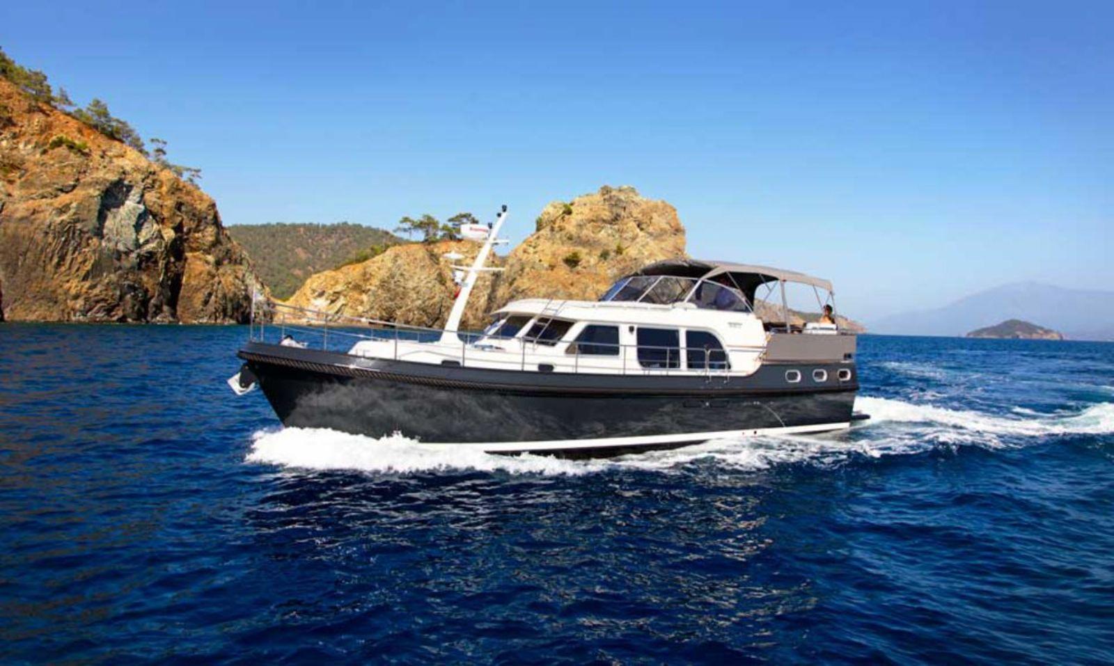de jongste en meest luxe motorjachten
