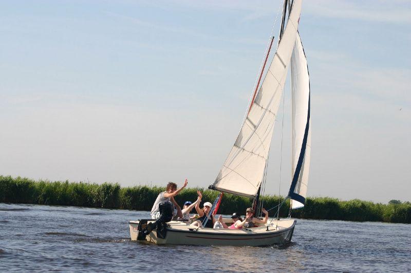 zeilboot verhuur midden in Friesland