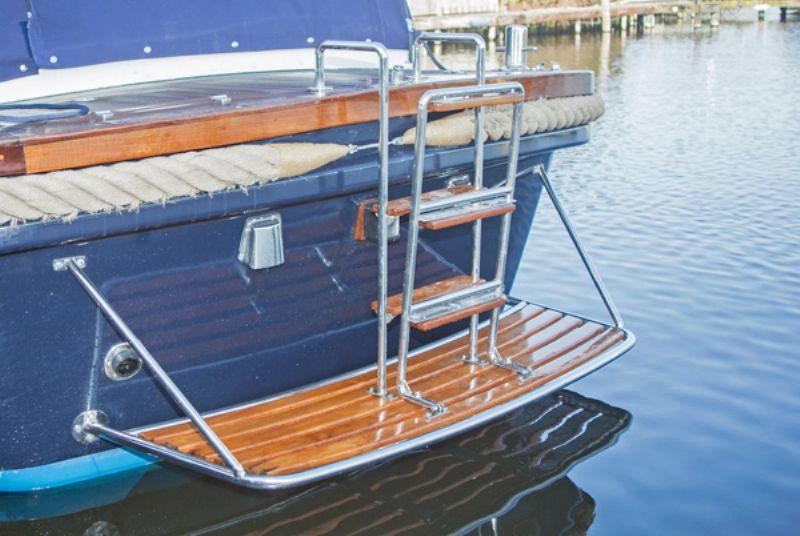 comfortabel en mooi gelijnde motorjacht huren