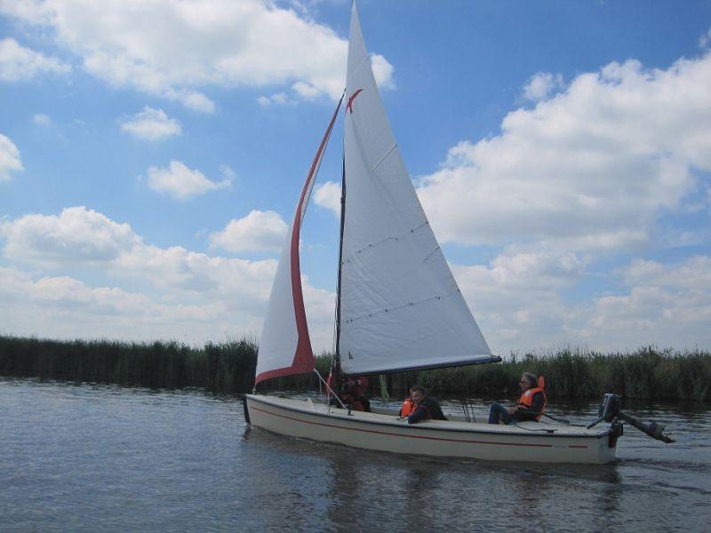 de valk is een populaire open zeilboot