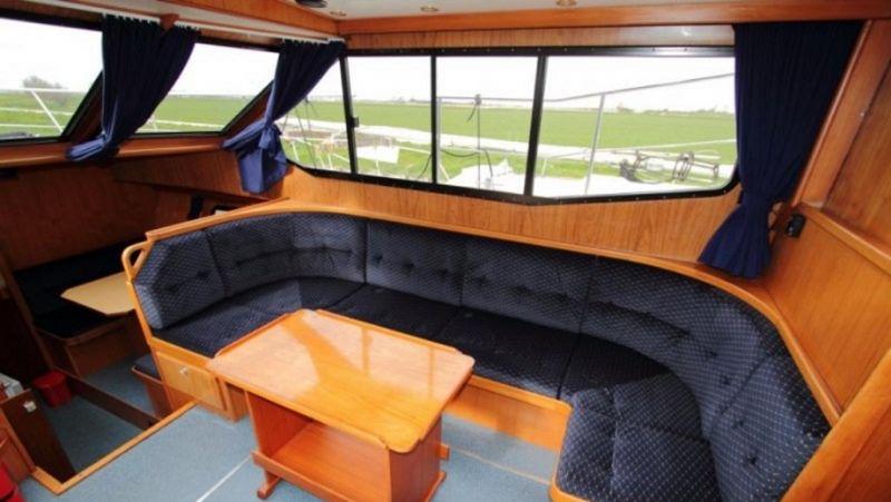 luxe motorjacht huren voor 8 personen