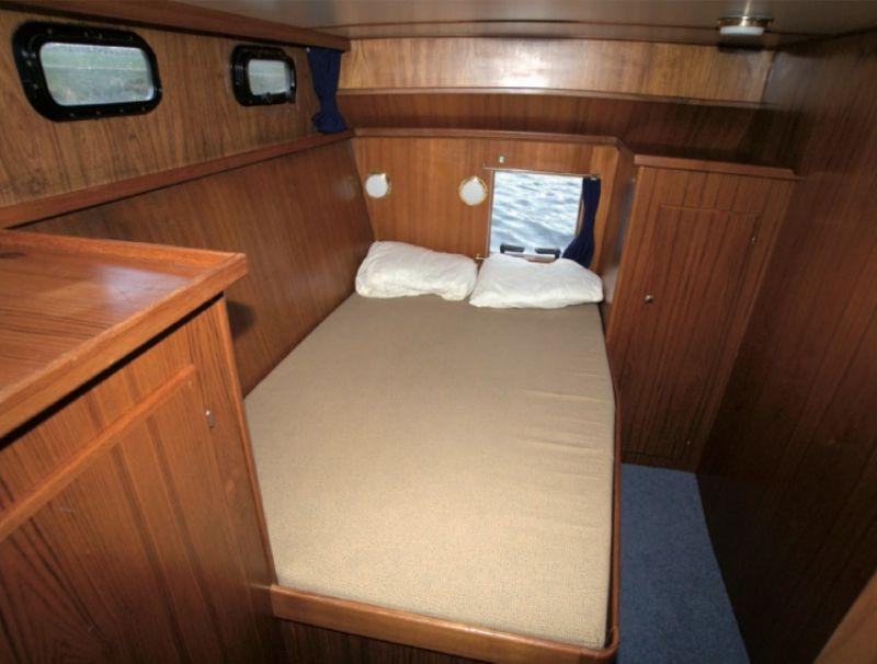 luxe motorkruiser met 3 slaapcabines