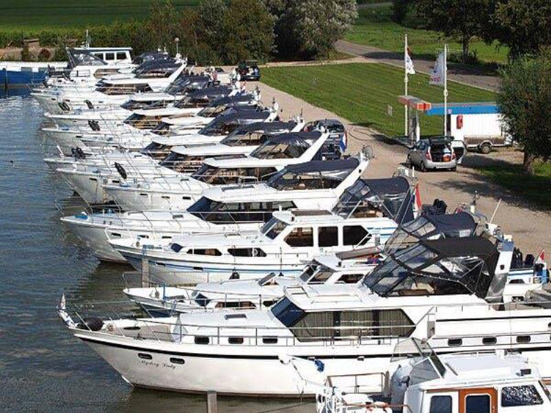 moderne haven met 100 ligplaatsen