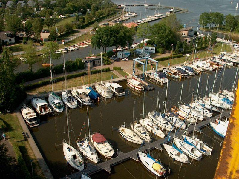 prachtige haven met ruim 300 ligplaatsen