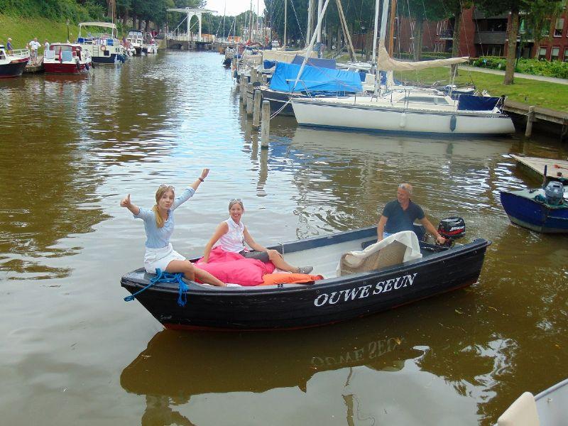 een down-to-earth motorboot die toch cozy aanvoelt