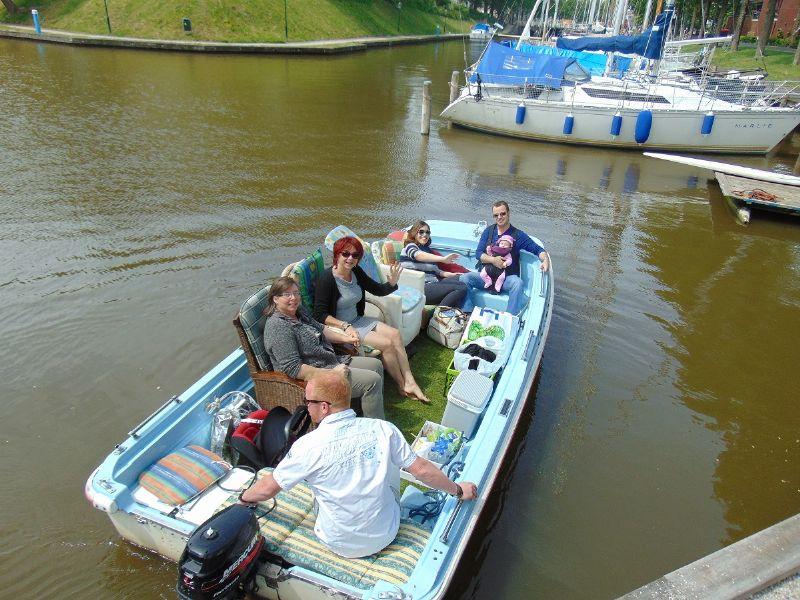 mooie rondvaarten door Harlingen met een unieke boot