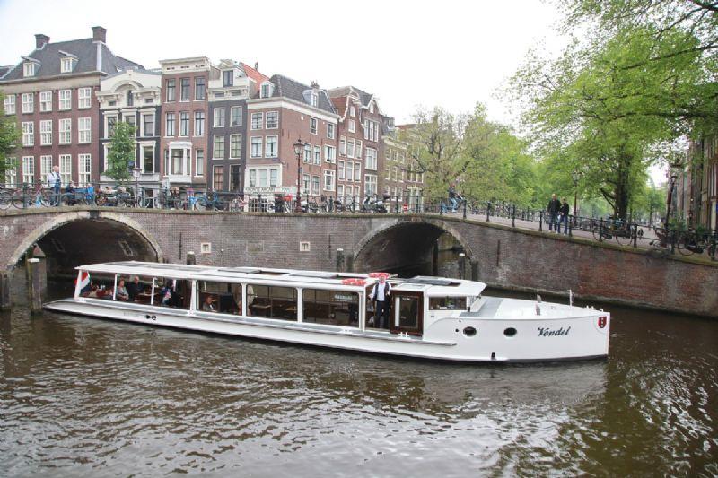 luxe privé partyboot te huur voor groepen