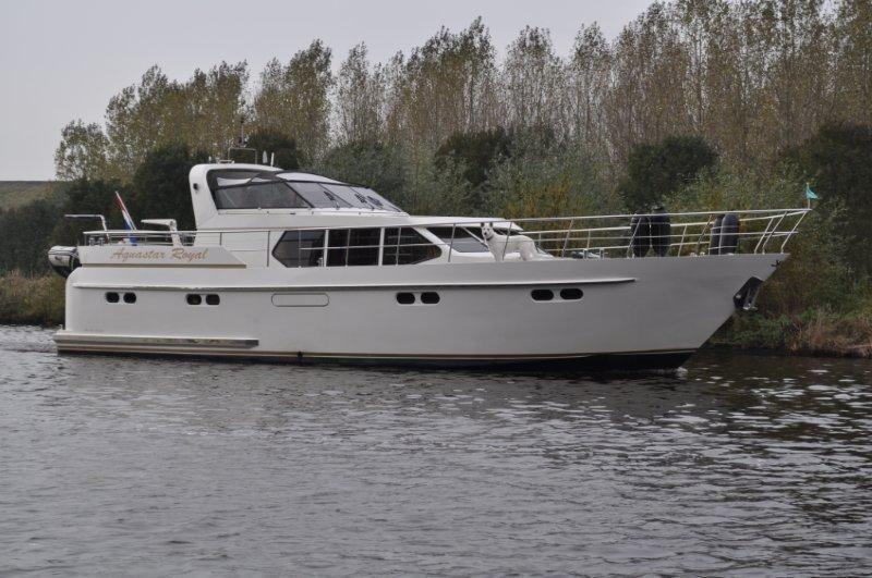 bekijk onze luxe vloot motorjachten