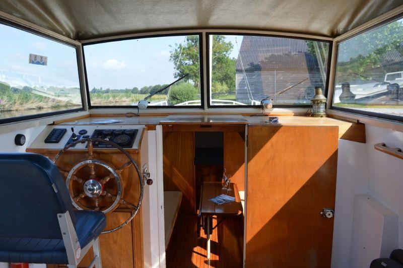 de doerak, een zeer ruime boot met boegschroef