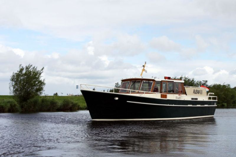 yachtcharter met 14 motorjachten