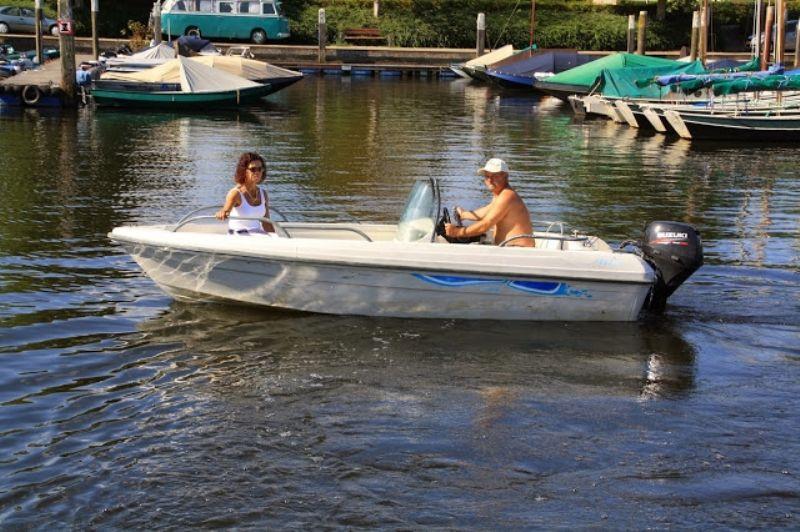 Motorbootje-huren