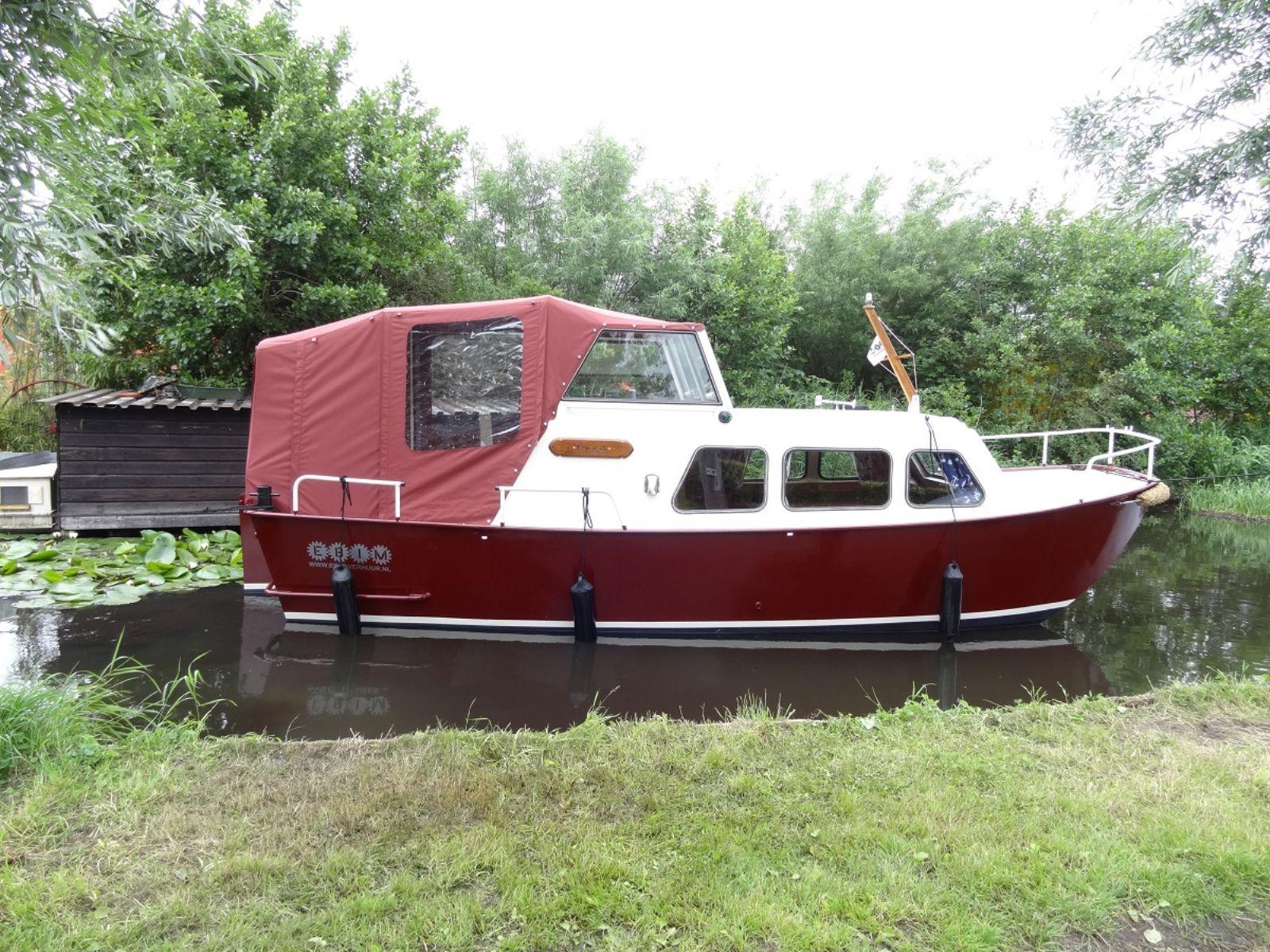 yachtcharter met sloepen en motorjachten