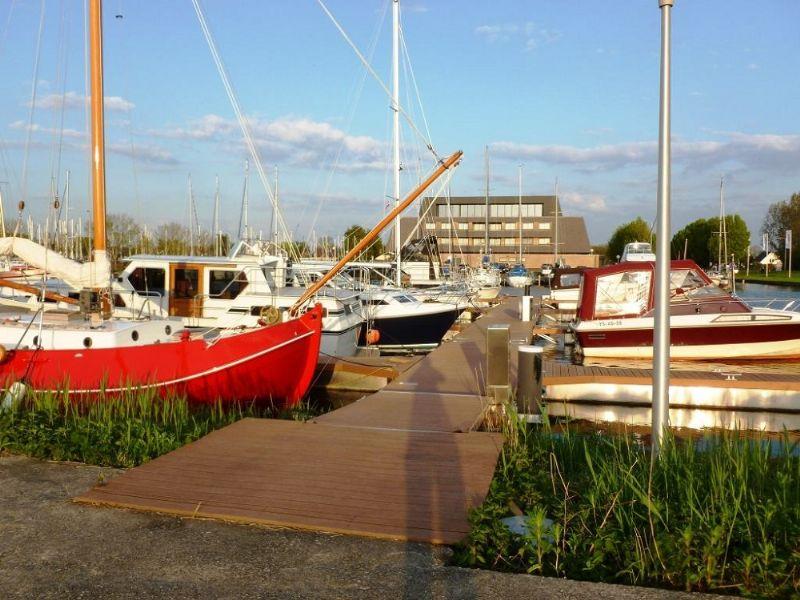ligplaatsen voor uw boot tot 16 m.