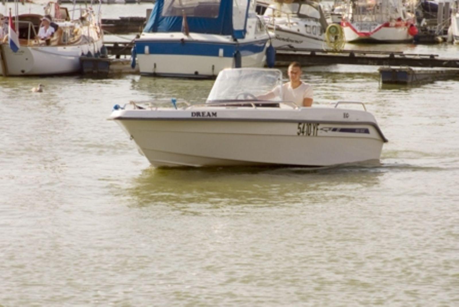 motorbootje huren voor een dag